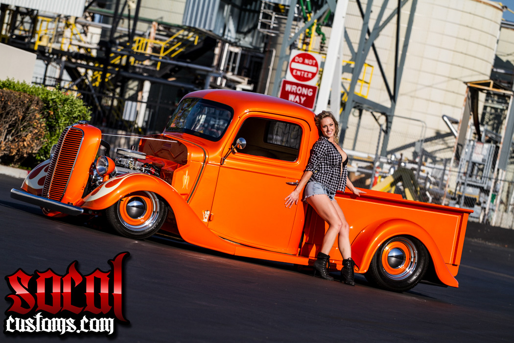 Socalcustomscom Pops 37 Feature Truck With Models Sarah Marie