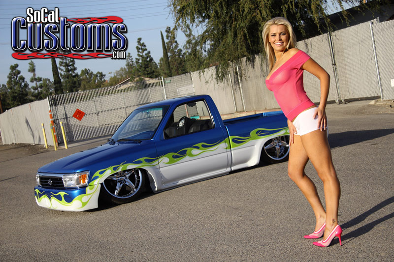 Socalcustoms Com Feature Truck With Model Heather Theisen