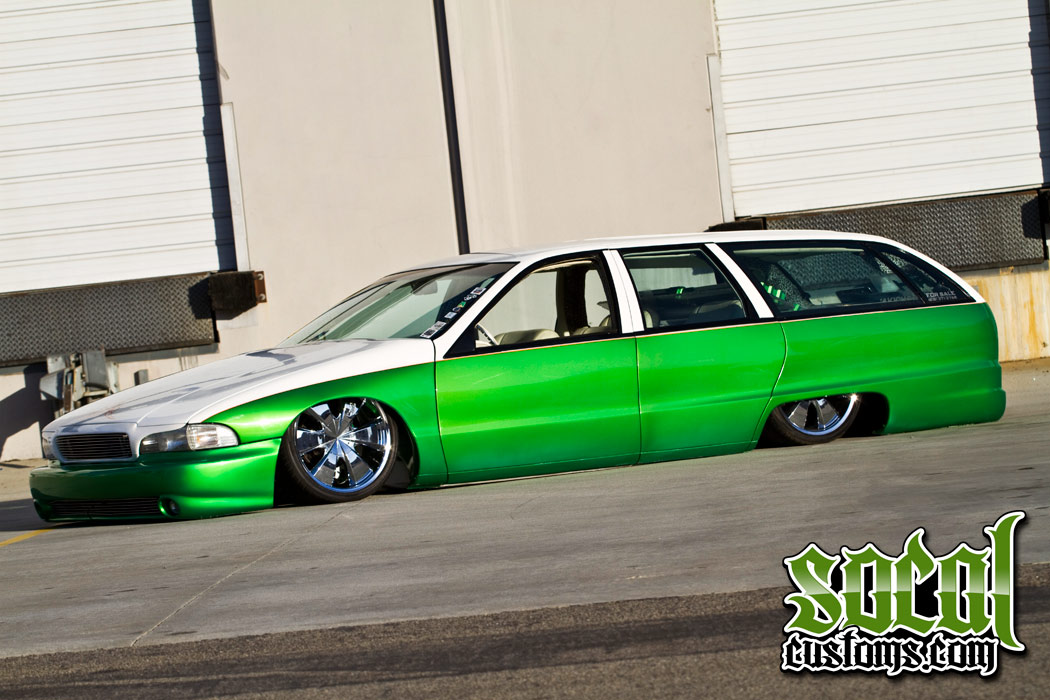 SoCalCustoms com - Wagon 2 Envy Feature Car with model